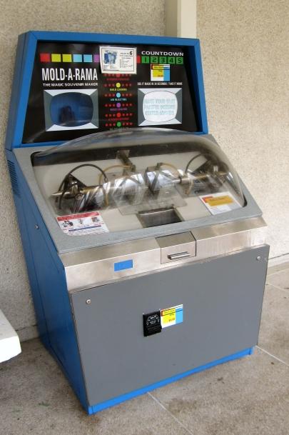 Mold-A-Rama-01.jpg